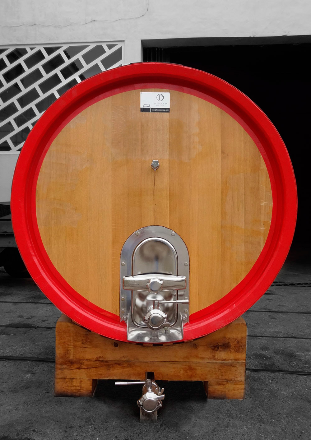20hl French oak round foudre